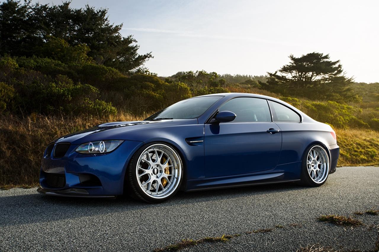 Фото BMW m3 e92 laguna синяя Сбоку машина БМВ Синий синие синих авто машины Автомобили автомобиль