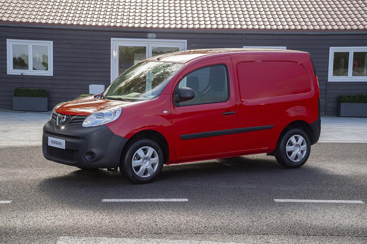 Фотография Nissan 2019 NV250 L1 Van бордовая Металлик автомобиль Ниссан Бордовый бордовые темно красный авто машина машины Автомобили