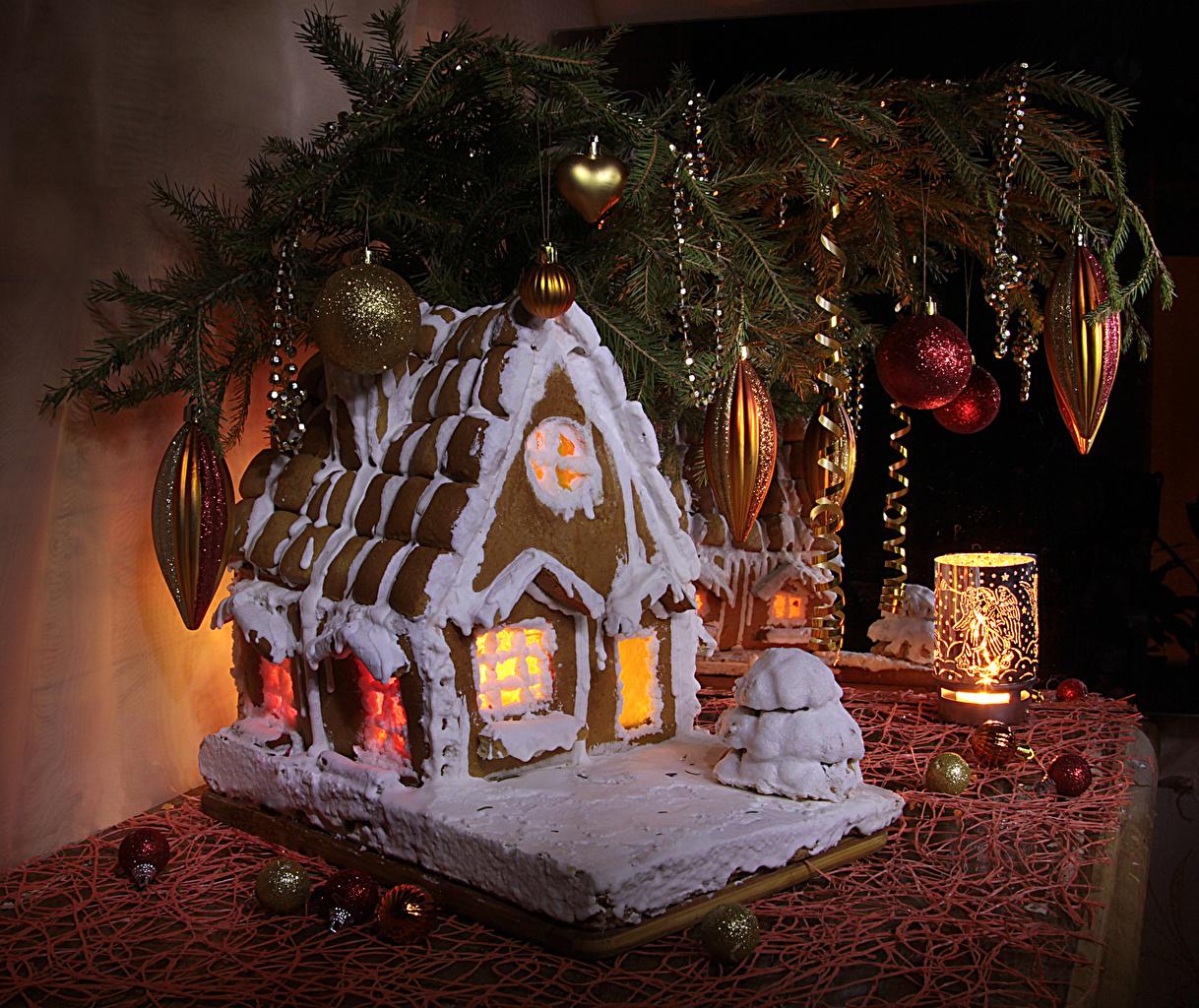 Картинки Рождество Еда ветвь Свечи Шарики Дома Выпечка Натюрморт дизайна Новый год Шар Пища ветка Ветки на ветке Продукты питания Здания Дизайн