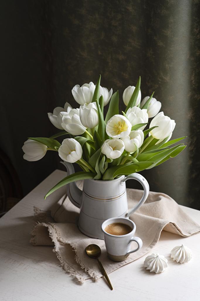 Картинки Кофе Белый Зефир Тюльпаны Цветы Ваза Ложка Чашка Натюрморт