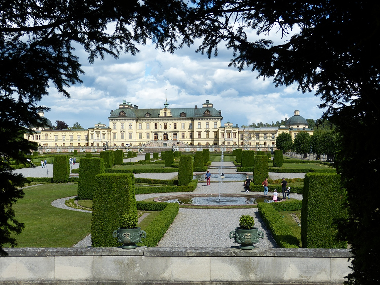 Обои для рабочего стола Стокгольм Дворец Швеция Фонтаны Drottningholm парк ветка город кустов дизайна дворца Парки ветвь Ветки на ветке Кусты Города Дизайн