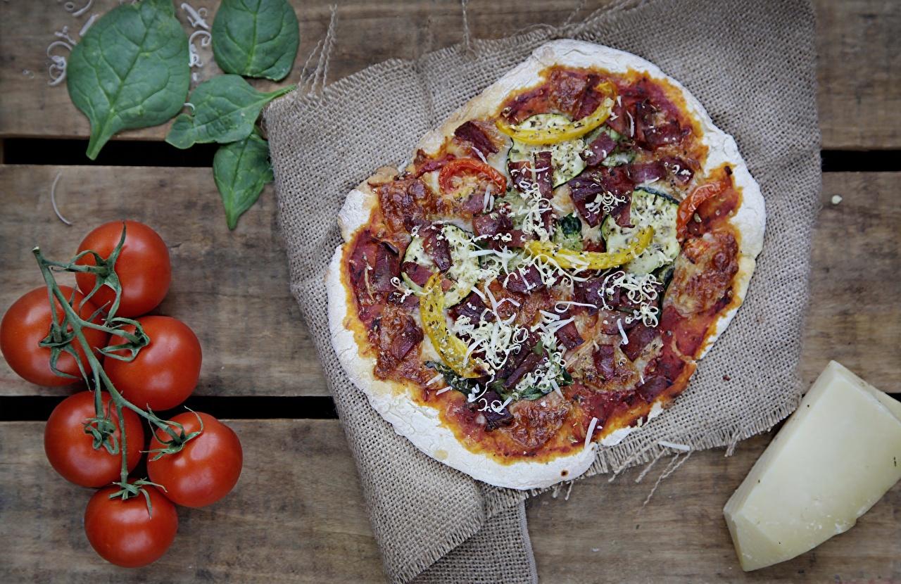 Обои для рабочего стола Пицца Томаты Еда Помидоры Пища Продукты питания