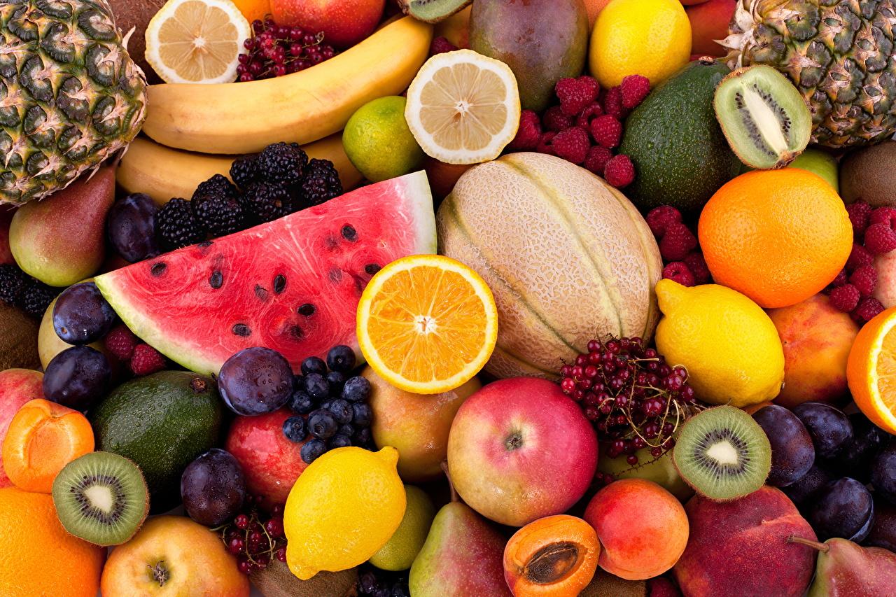 Фотографии Апельсин Дыни Сливы Арбузы Лимоны Малина Виноград Пища Фрукты Еда Продукты питания