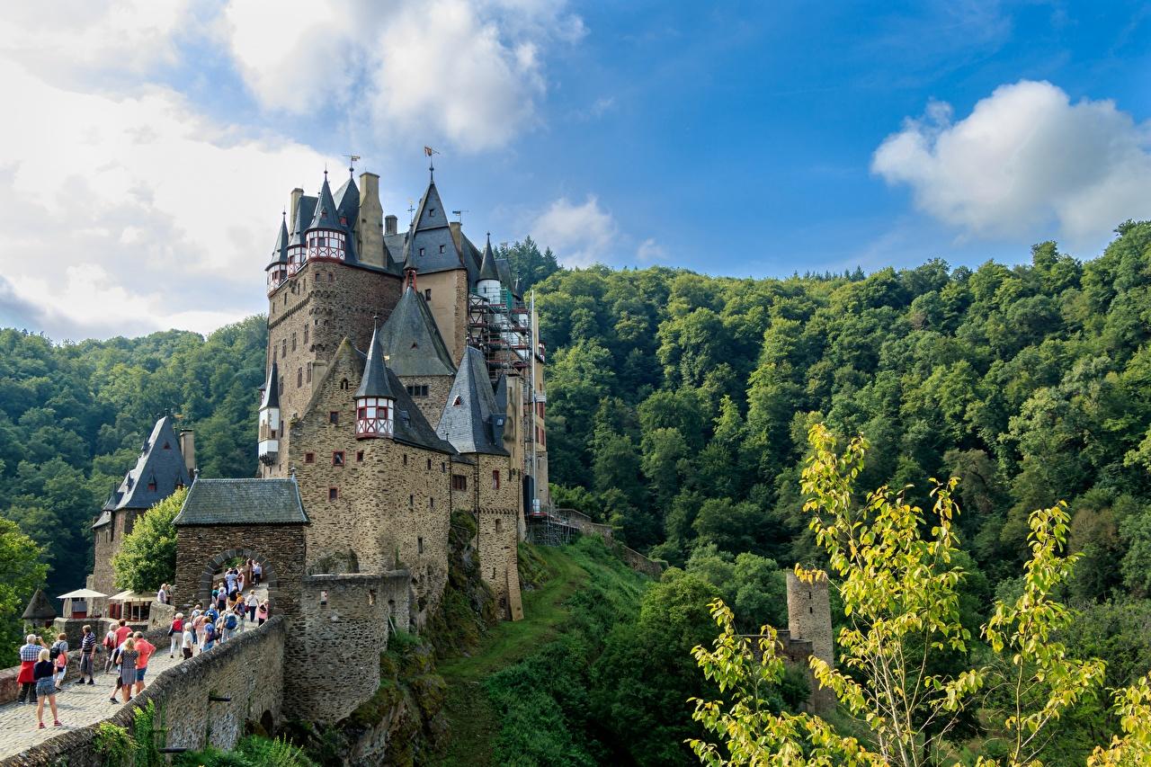 Картинка Германия Крепость Eltz, Rhineland-Palatinate Замки Леса Города замок лес город