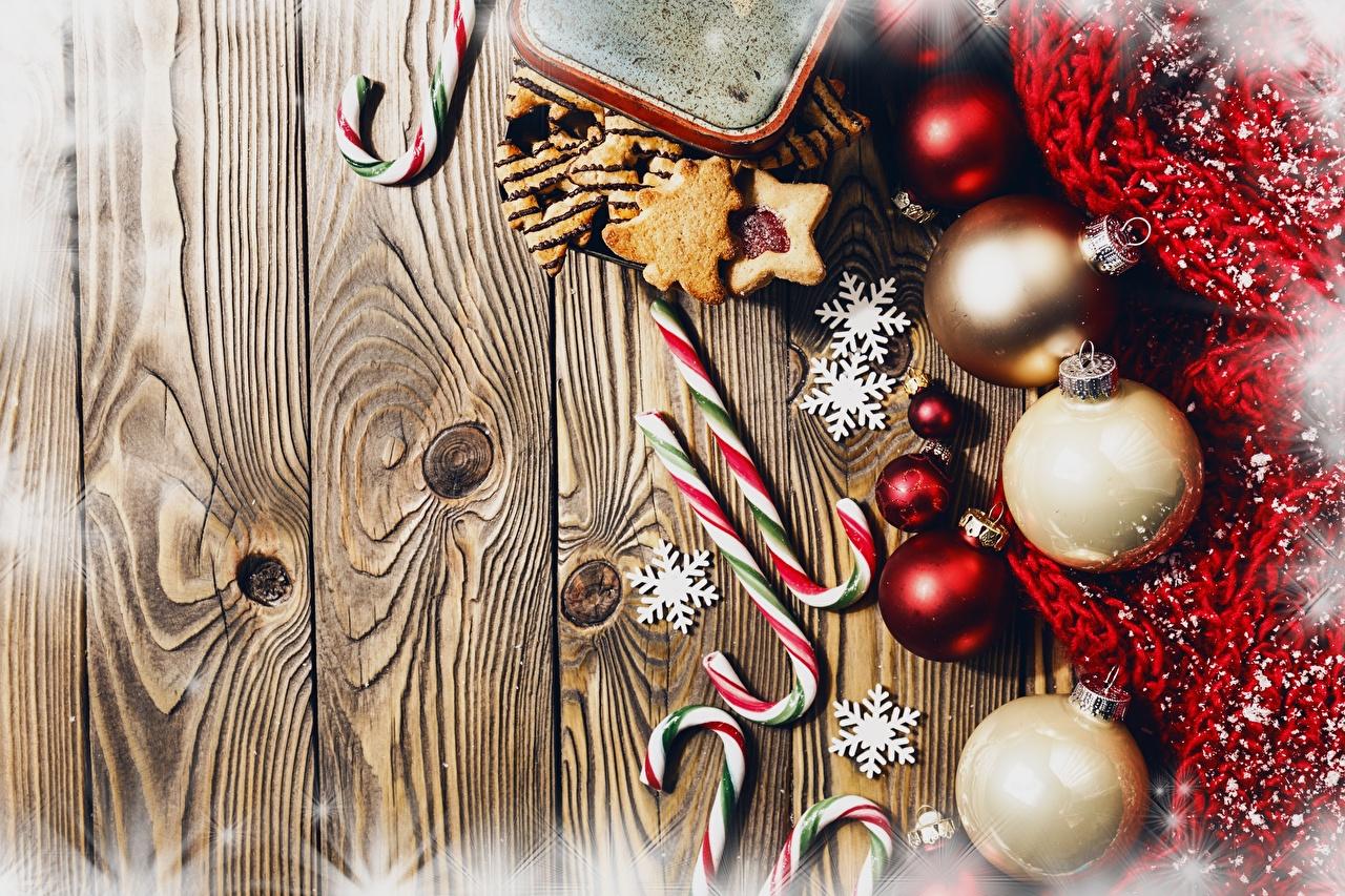 Фотографии Новый год Леденцы Шарики Доски Рождество Шар