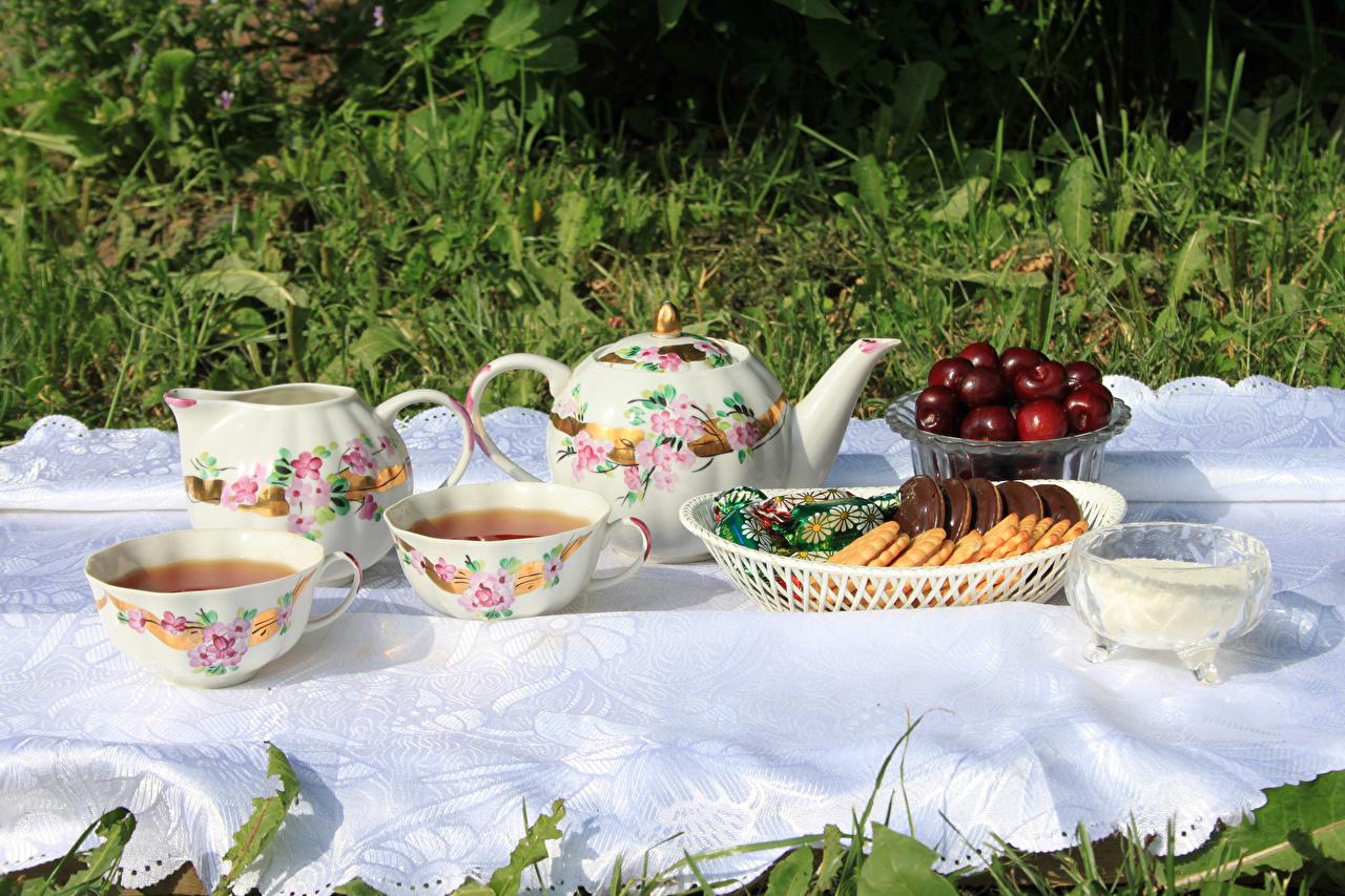 Обои для рабочего стола Чай Вишня Чайник Чашка Печенье Продукты питания Черешня Еда Пища чашке
