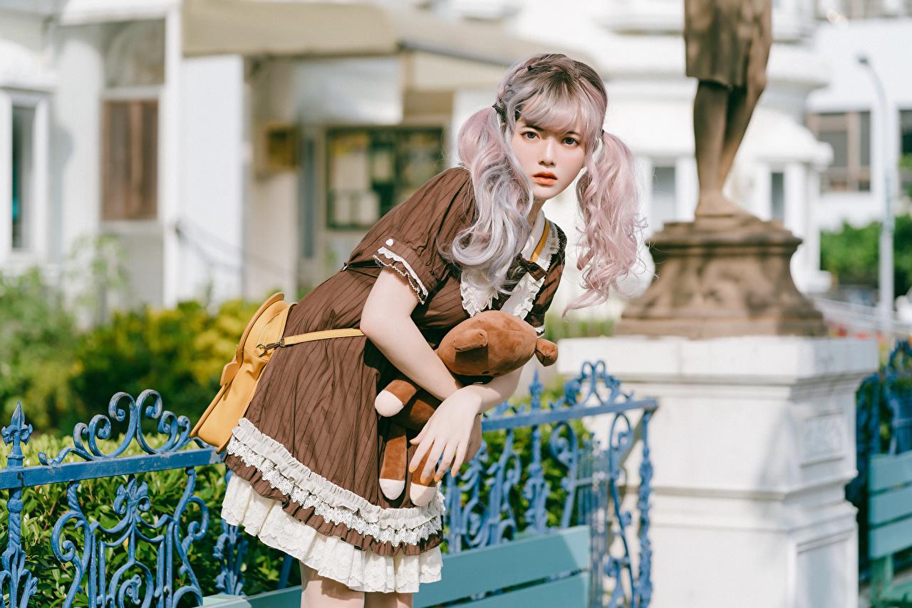 Фотография блондинок Косплей позирует девушка азиатка Взгляд Платье блондинки Блондинка Поза Девушки молодая женщина молодые женщины Азиаты азиатки смотрит смотрят платья