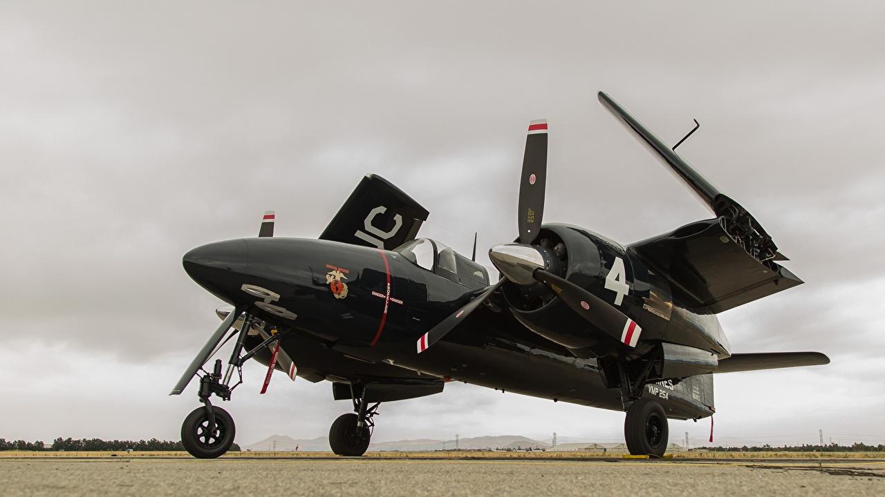 Картинка Истребители Самолеты Американские Grumman F7F Tigercat черных Авиация американский американская черная черные Черный