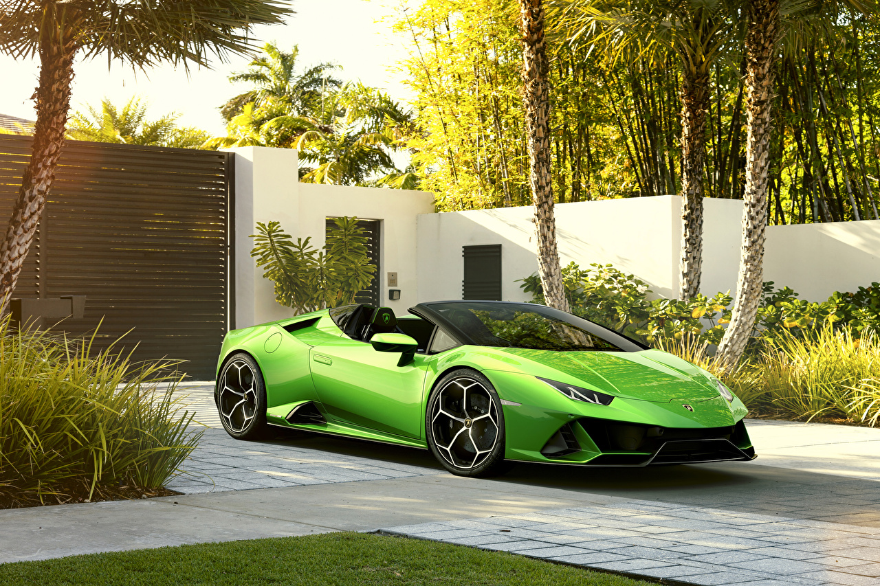 Фотографии Lamborghini 2019 Huracan EVO Spyder Родстер Салатовый Авто Металлик Ламборгини Машины Автомобили