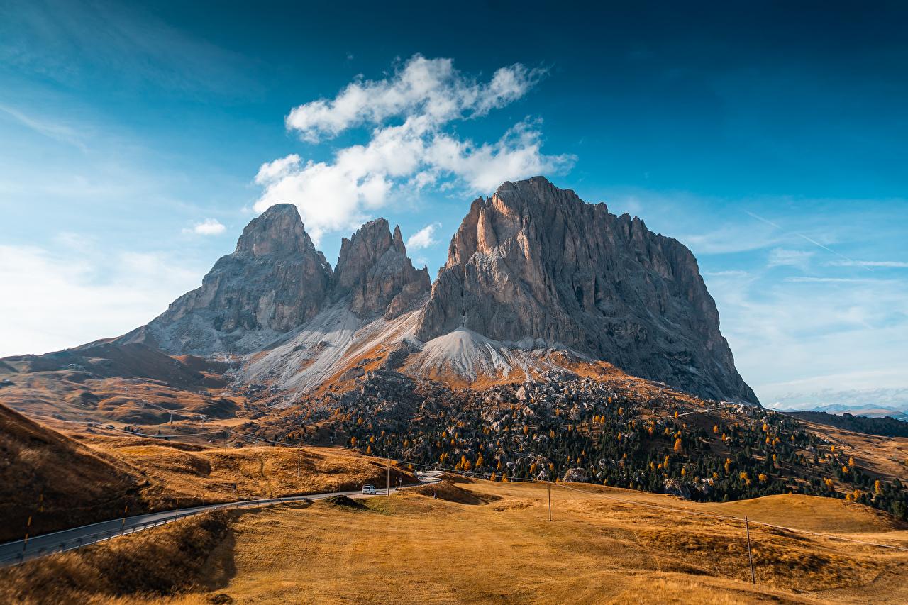 Фотографии Италия Val Gardena, Dolomites гора Осень Природа Дороги Горы осенние