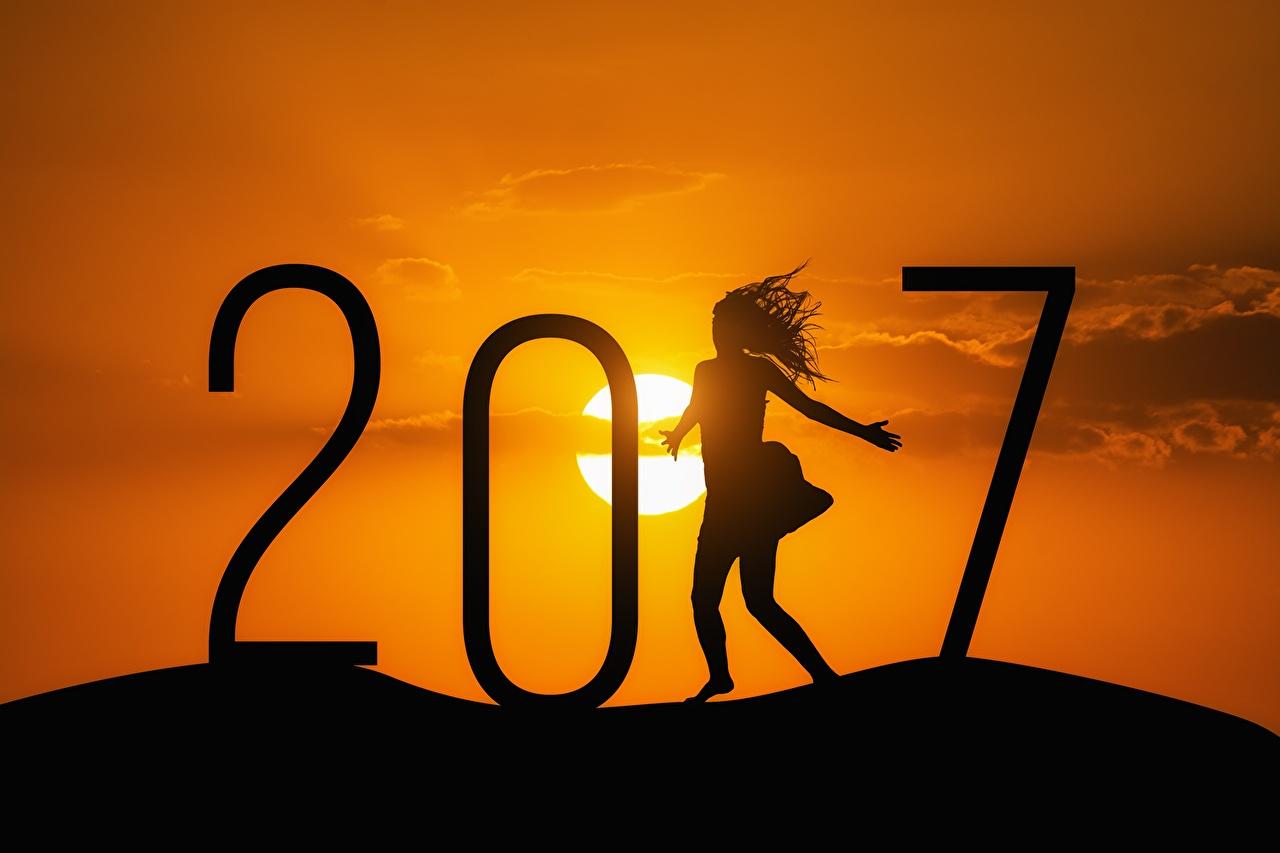 Обои 2017 Новый год Силуэт Солнце Девушки Рассветы и закаты Рождество силуэты силуэта солнца девушка молодые женщины молодая женщина