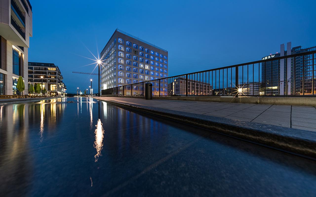 Фотографии Германия Stuttgart Вечер Уличные фонари Здания Города Дома город