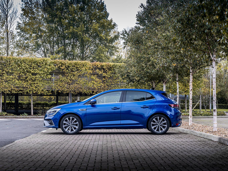 Фотографии Рено Mégane R.S. Line, UK-spec, 2020 синие Сбоку машина Металлик Renault синяя Синий синих авто машины Автомобили автомобиль