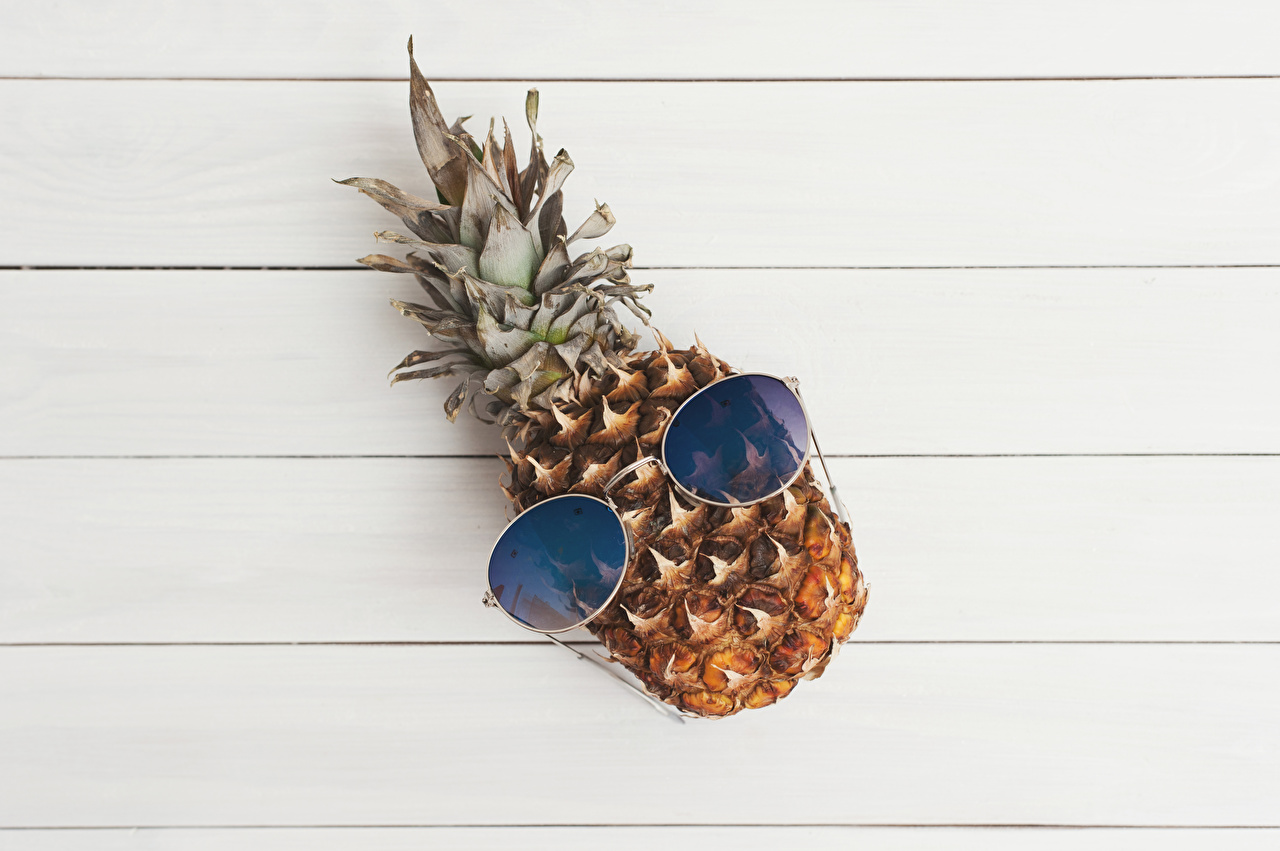Обои для рабочего стола Ананасы Еда Очки Доски Пища очках очков Продукты питания