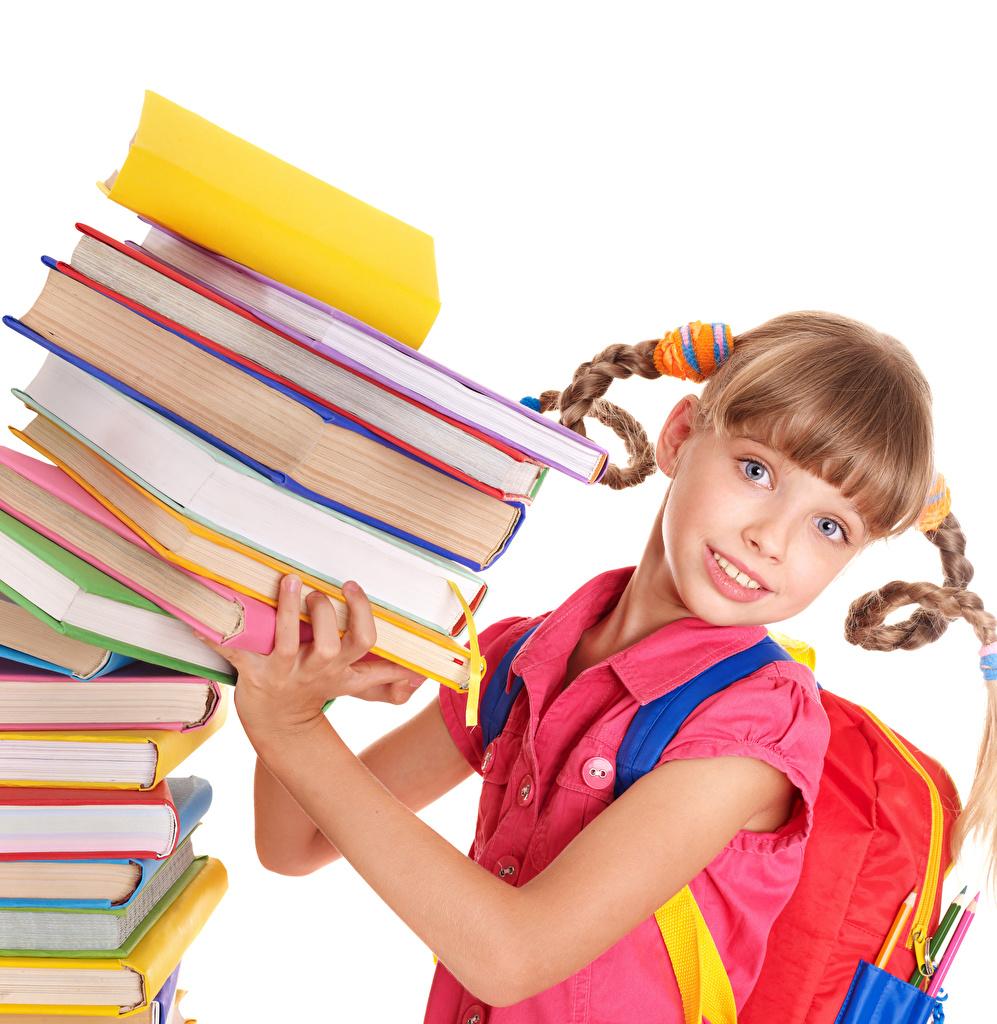 Картинки Девочки Школа Дети Руки Книга смотрит белом фоне девочка школьные ребёнок рука книги Взгляд смотрят Белый фон белым фоном