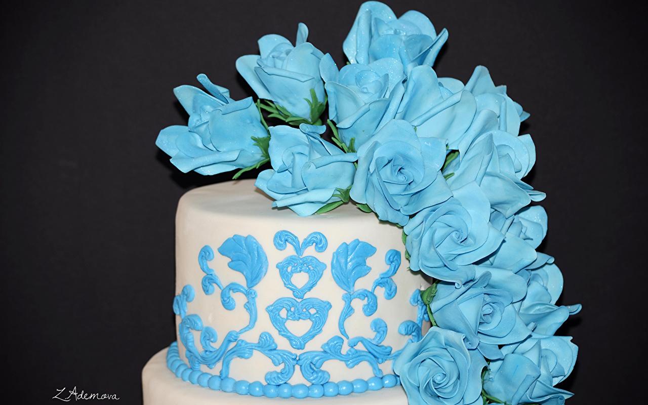 Фотографии Розы Торты голубые Продукты питания Сладости дизайна Цветной фон голубых Голубой голубая Еда Пища Дизайн