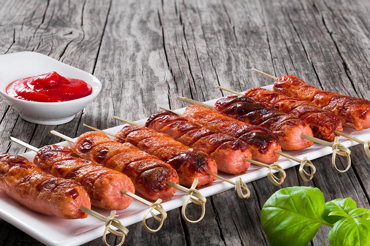 Фотография Кетчуп Сосиска Еда Мясные продукты кетчупа кетчупом Пища Продукты питания