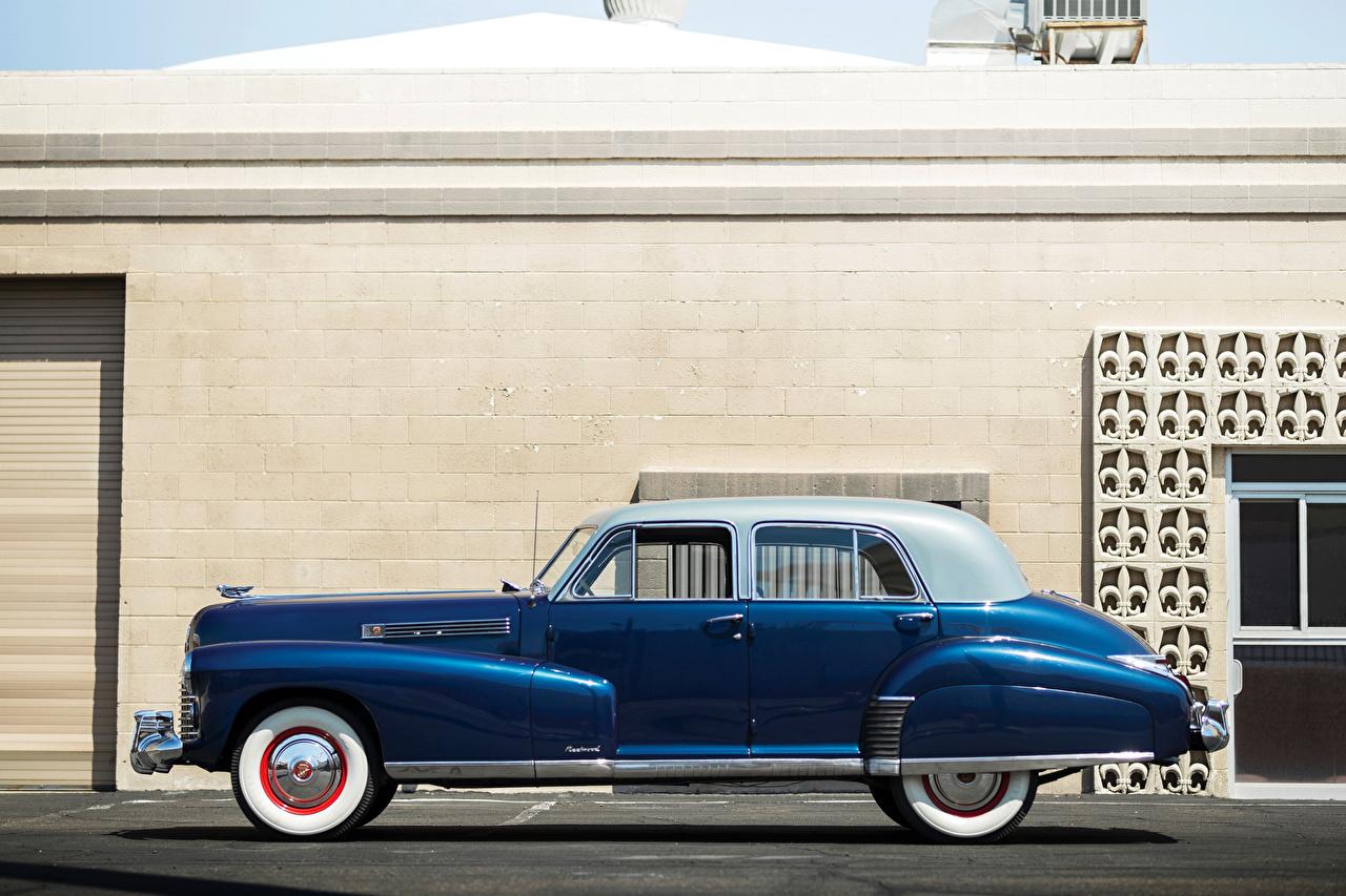 Картинка Cadillac 1941 Fleetwood Sixty Special Sedan Ретро синих авто Сбоку Кадиллак синяя синие Синий винтаж старинные машина машины Автомобили автомобиль