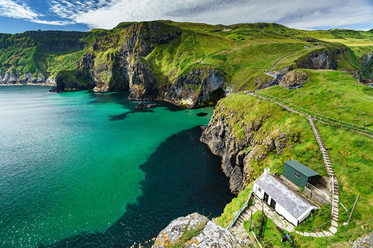 Фото Великобритания Ballintoy, County Antrim, Northern Ireland Горы Скала Природа Сверху Побережье гора Утес скале скалы берег