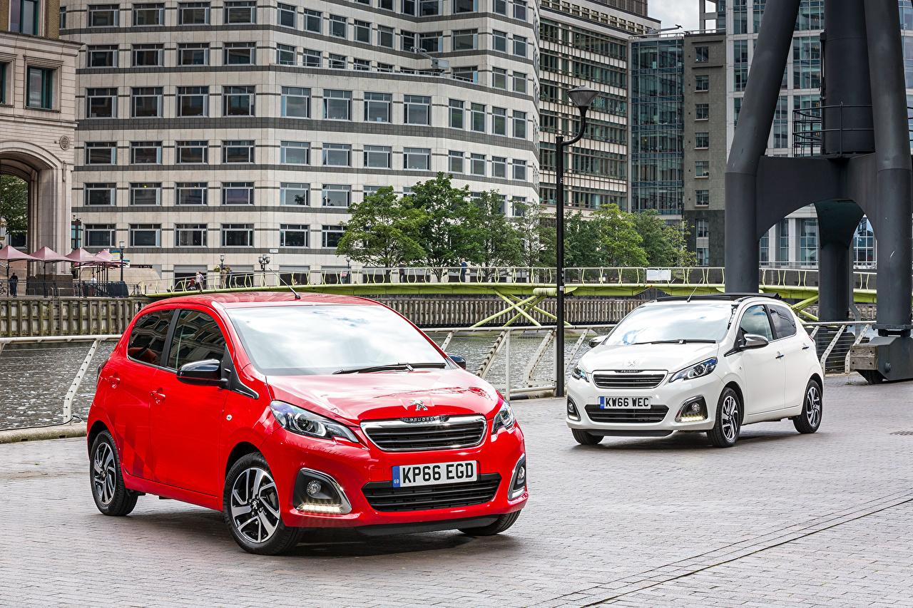 Фотографии Peugeot 2014-16 108 два Металлик Автомобили Пежо 2 две Двое вдвоем авто машины машина автомобиль