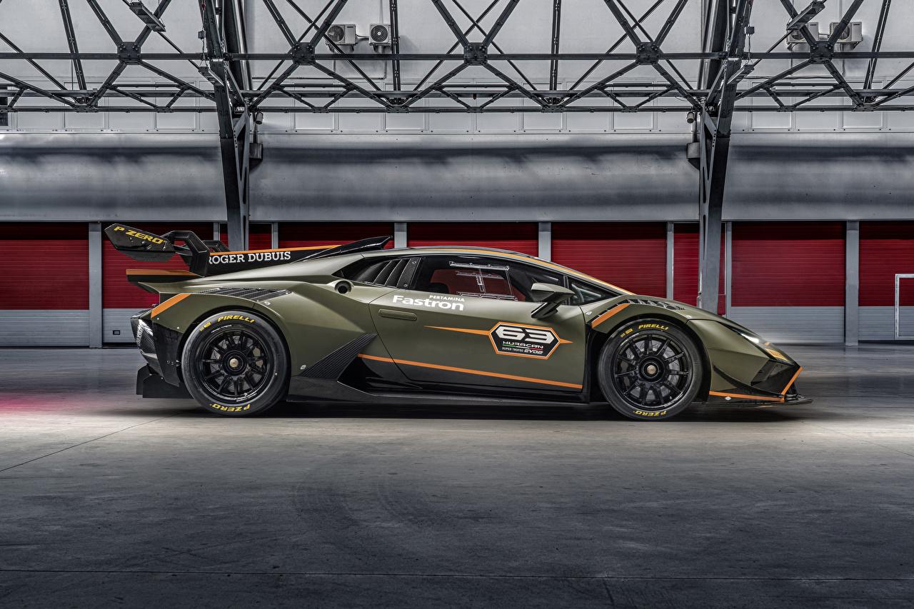 Картинки Стайлинг Ламборгини 2021 Huracán Super Trofeo EVO2 Сбоку машины Lamborghini Тюнинг авто машина Автомобили автомобиль