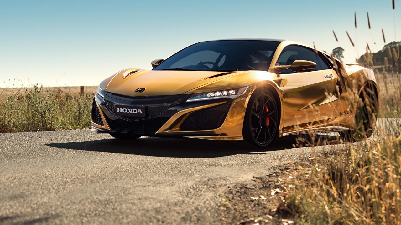 Фото Honda NSX 50 Years in Australia 2019 золотых Автомобили Хонда золотые золотая Золотой авто машины машина автомобиль