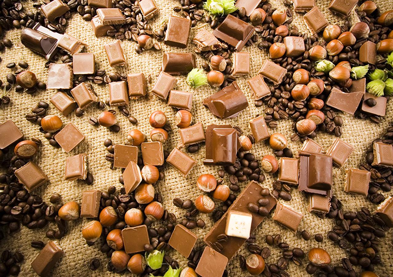 Фотографии Еда Шоколад Кофе Фундук зерно Орехи сладкая еда Пища Продукты питания Лесной орех Зерна Сладости