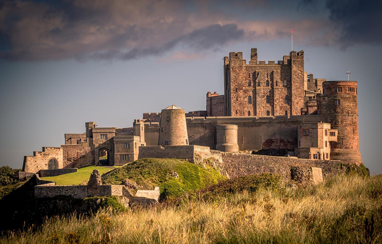 Обои Англия Bamburgh Castle Northumberland Замки Трава Города