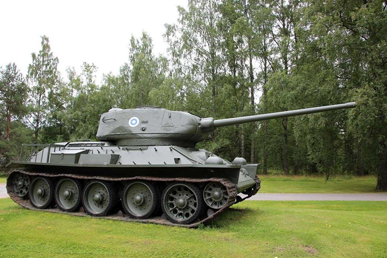 Картинки Т-34 Танки T-34-85 Сбоку Армия танк военные