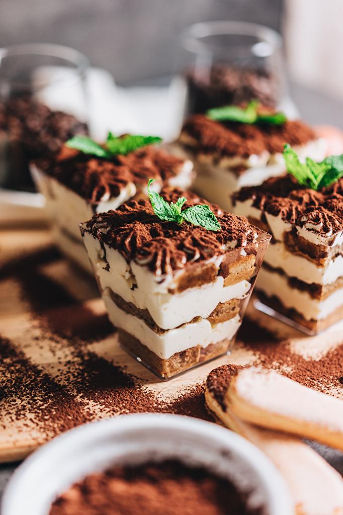 Фотографии Шоколад Торты мятой Продукты питания Пирожное  для мобильного телефона мяты Мята Еда Пища