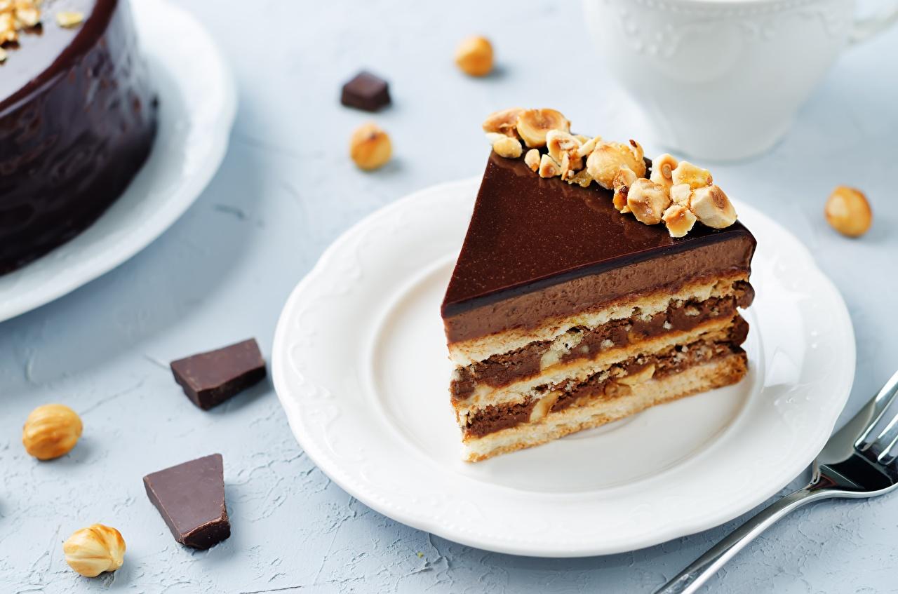 Фотографии Торты Кусок Еда тарелке Пирожное часть кусочки кусочек Пища Тарелка Продукты питания