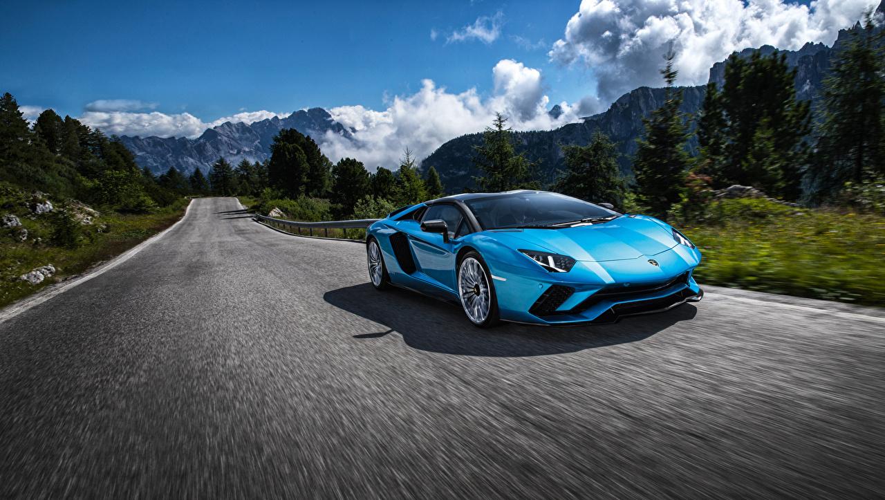 Фотография Ламборгини 2017-18 Aventador S Родстер Голубой Дороги Движение Машины Lamborghini едущий скорость Авто Автомобили