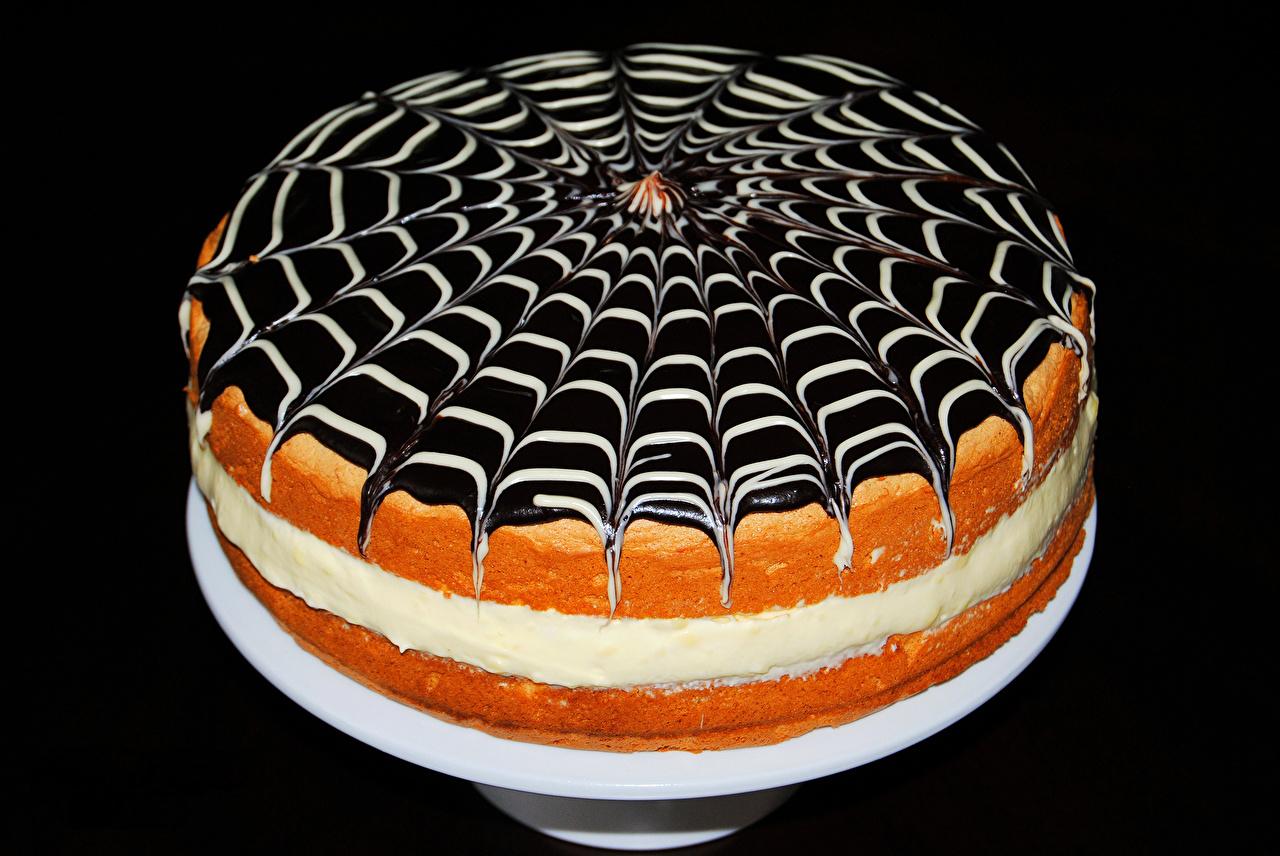 Обои для рабочего стола Шоколад Торты Еда Сладости на черном фоне Пища Продукты питания Черный фон сладкая еда