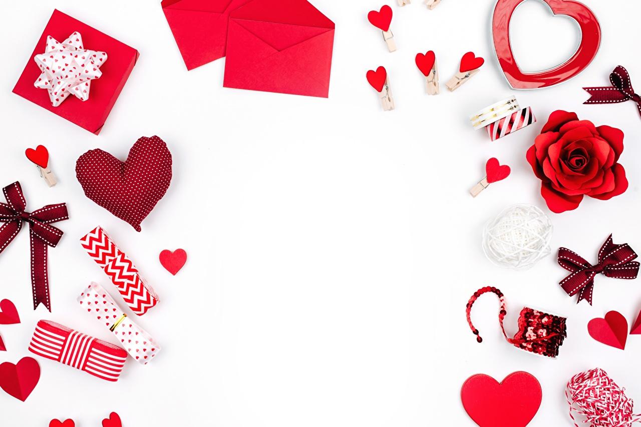 Фотография сердца бант белом фоне серце Сердце сердечко Бантик бантики Белый фон белым фоном