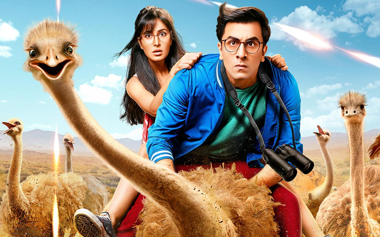 Обои Смешные Страусы Мужчины Jagga Jasoos (2017) Ranbir Kapoor, Katrina Kaif Девушки Кино Юмор Фильмы