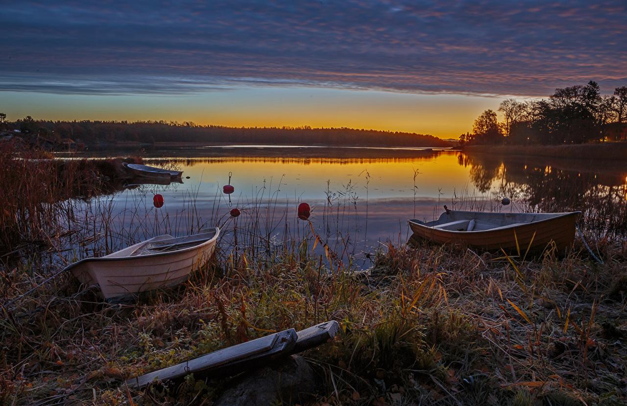 Картинка Швеция Природа осенние Озеро Лодки Вечер Осень