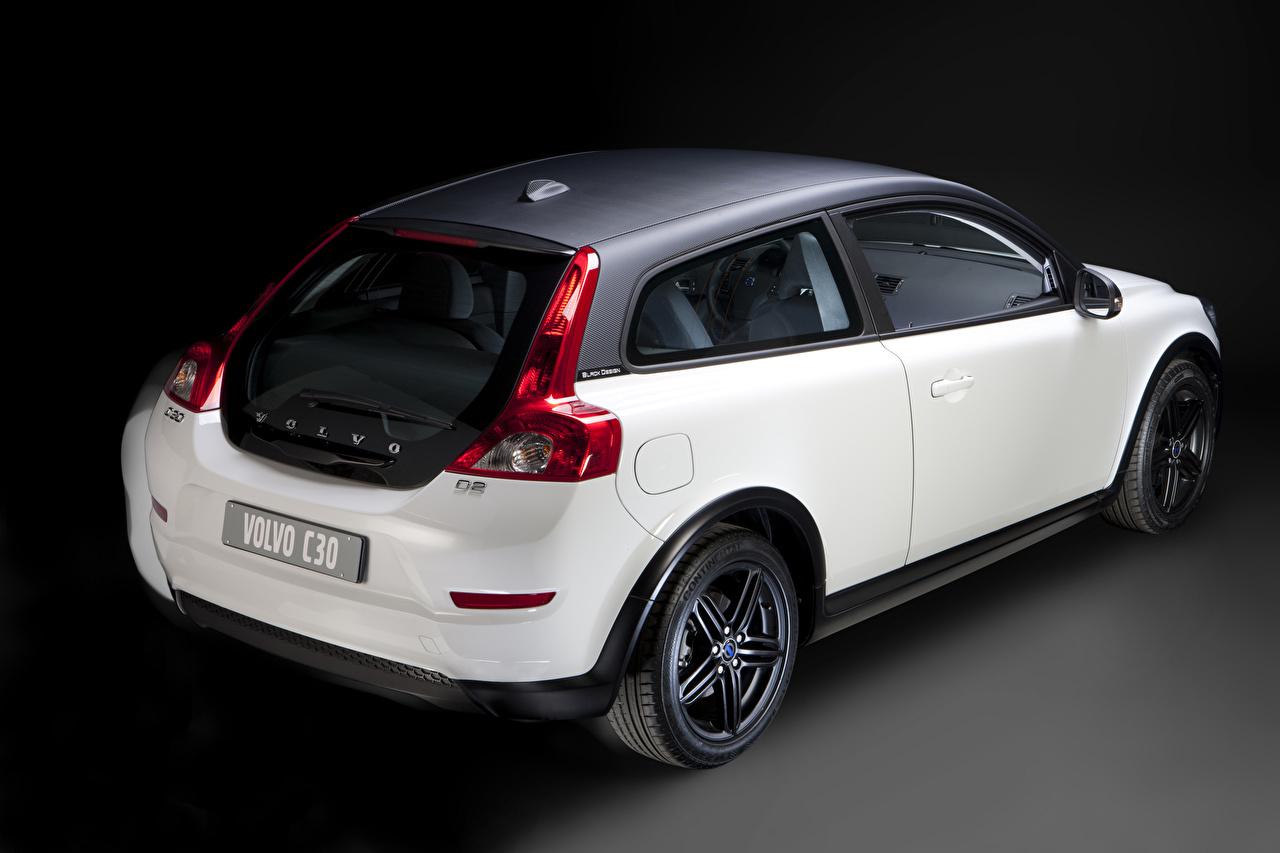 Картинки Вольво C30 Black Design Купе белая Сзади машина Volvo Белый белые белых авто машины вид сзади Автомобили автомобиль