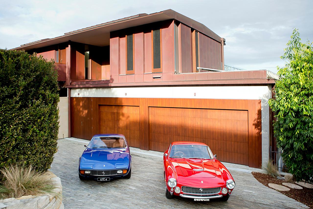 Фото Ferrari 1963 250 GT Berlinetta Lusso 1971 365 GTC4 две старинные Металлик Автомобили Феррари 2 два Двое Ретро вдвоем Винтаж авто машина машины автомобиль