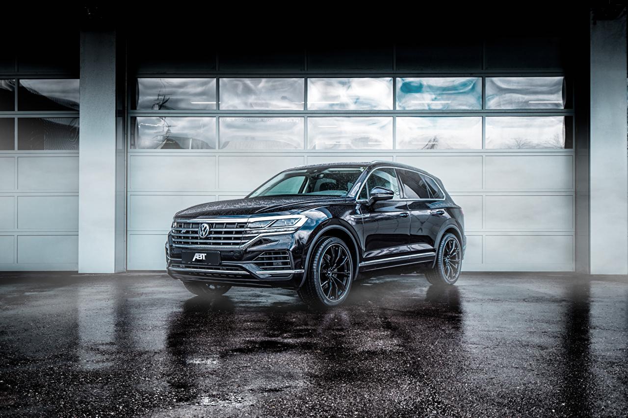 Картинка Volkswagen 2018-19 ABT Touareg черных Металлик автомобиль Фольксваген Черный черные черная авто машина машины Автомобили