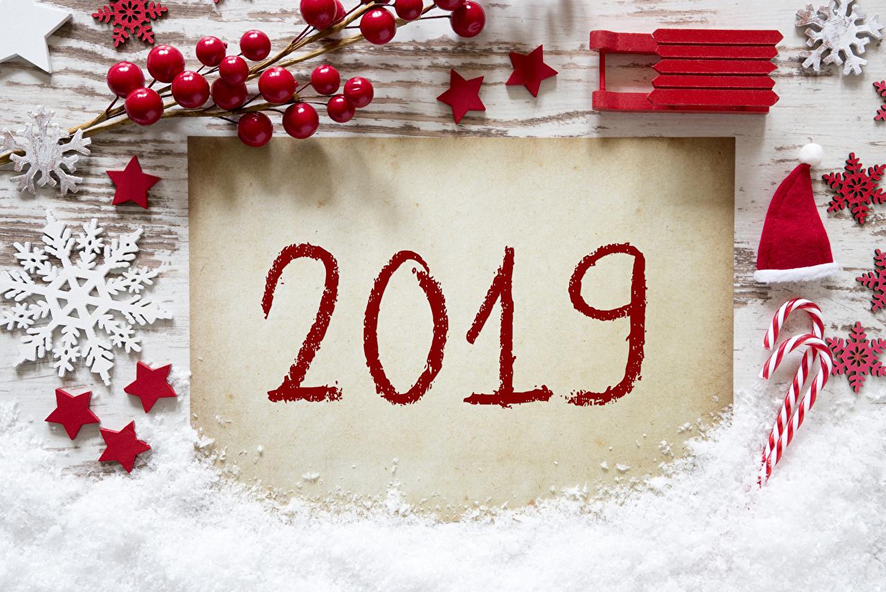 Обои 2019 Новый год Звездочки санях шапка Снежинки снега Ягоды Рождество Сани Санки санках Шапки в шапке снежинка Снег снеге снегу