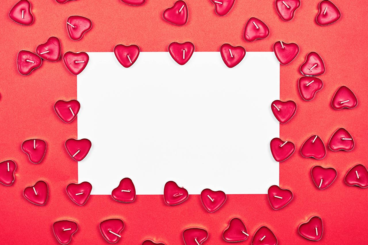 Фотография День всех влюблённых Сердце Лист бумаги Свечи Шаблон поздравительной открытки Красный фон День святого Валентина серце сердца сердечко красном фоне