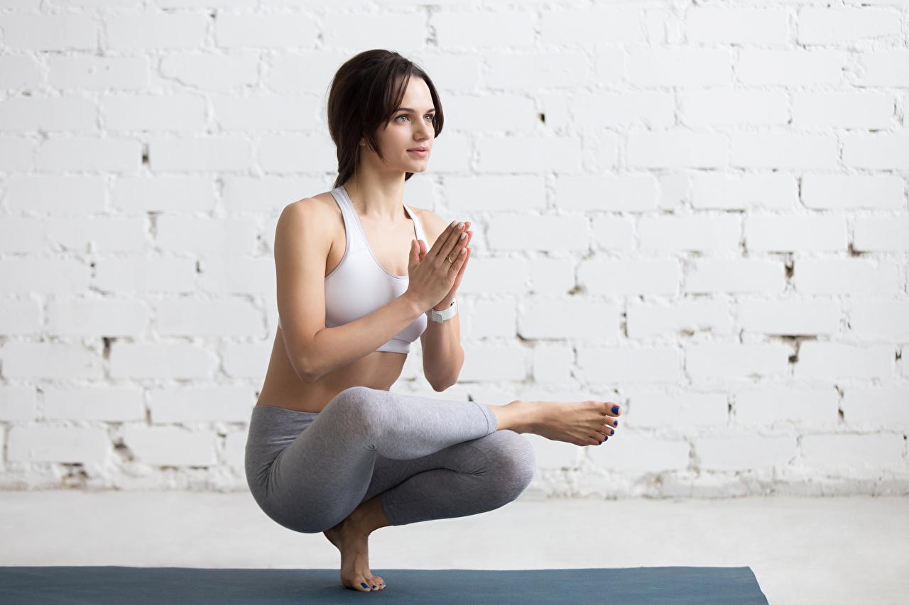 Обои Шатенка Йога Физические упражнения Фитнес Спорт Девушки Руки Тренировка
