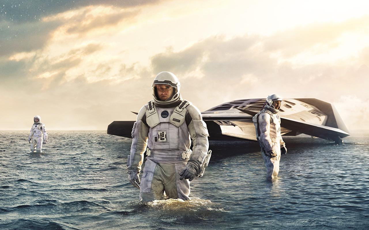 Фотографии Интерстеллар Космонавты Мужчины 2014 Фильмы астронавт космонавт мужчина кино