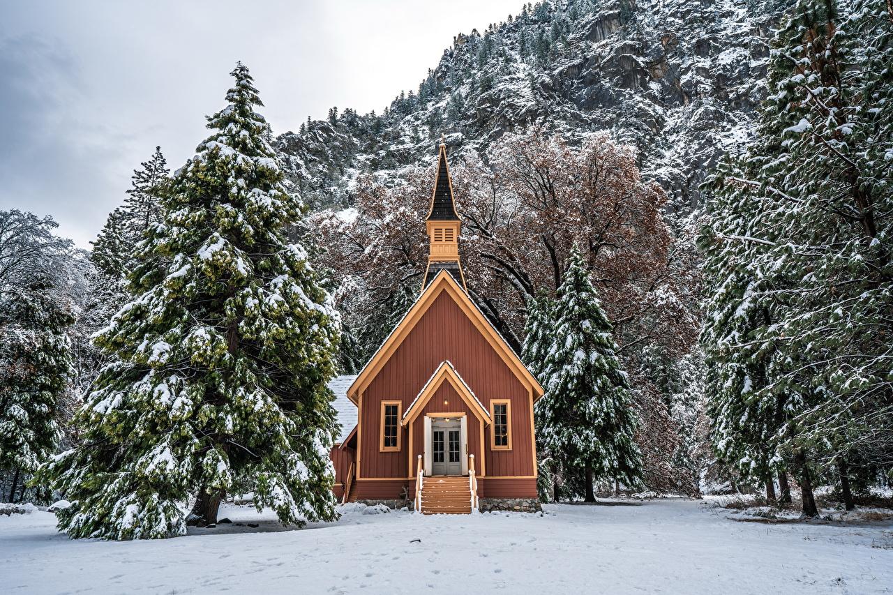 Фотографии Йосемити штаты Ель зимние Природа Снег Парки Дома Деревья США Зима Здания