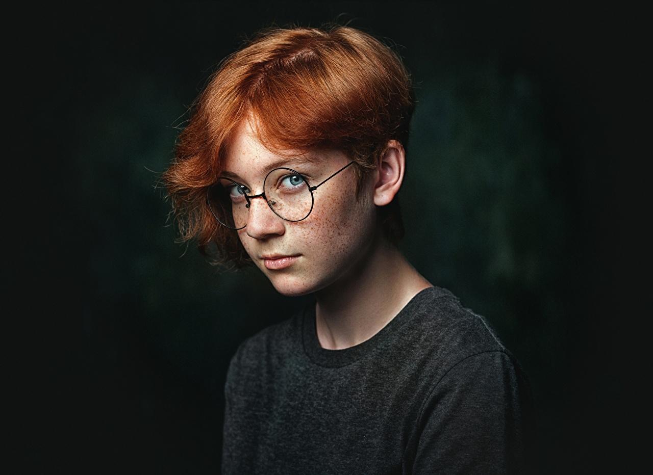 Фотография Девочки Рыжая Natalya Mentyugova Дети волос Очки Взгляд девочка рыжих рыжие ребёнок Волосы очках очков смотрят смотрит