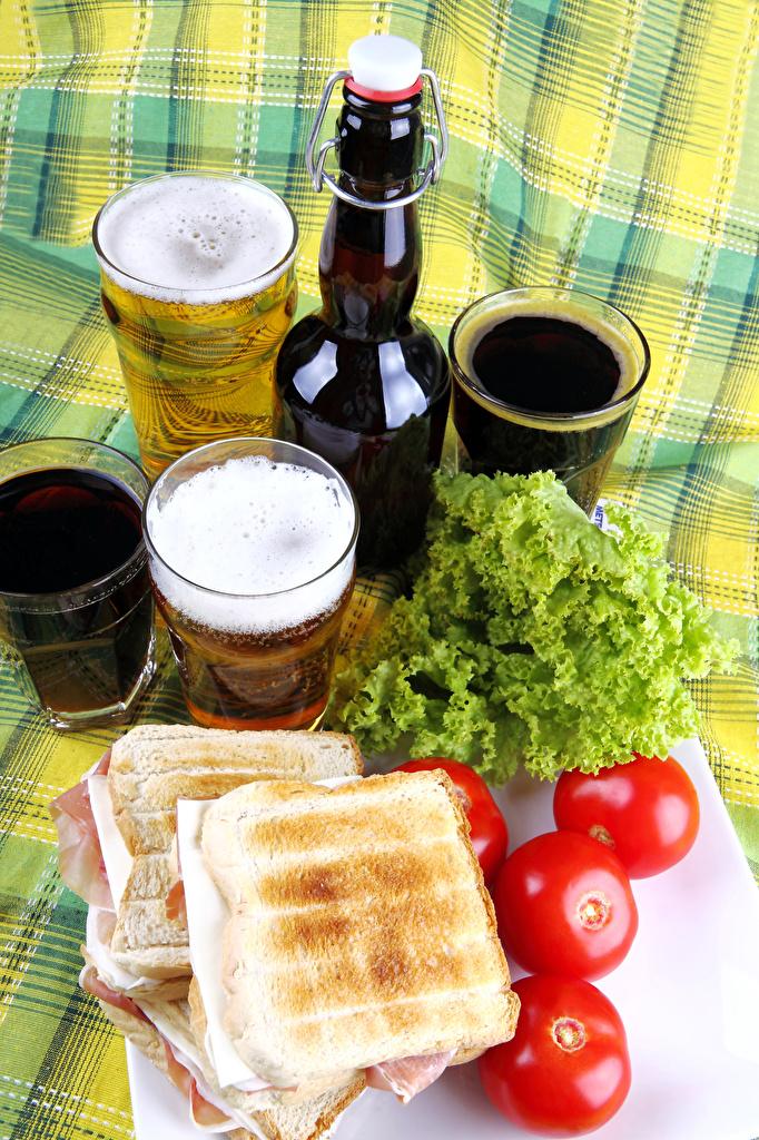 Фотографии Пиво Томаты Сэндвич стакане Бутылка Продукты питания  для мобильного телефона Помидоры Стакан стакана Еда Пища бутылки