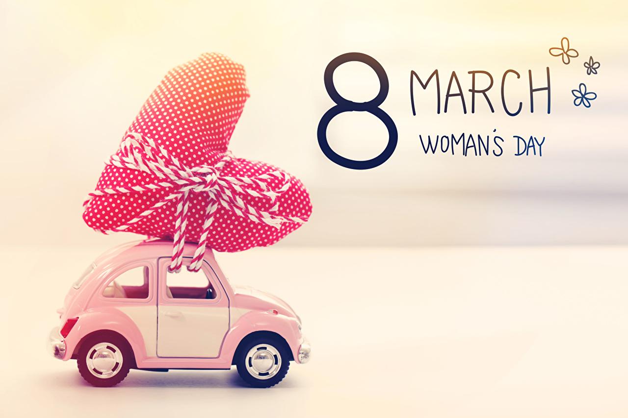 Картинка Международный женский день Английский серце авто Праздники Цветной фон 8 марта инглийские английская Сердце сердца сердечко машина машины автомобиль Автомобили