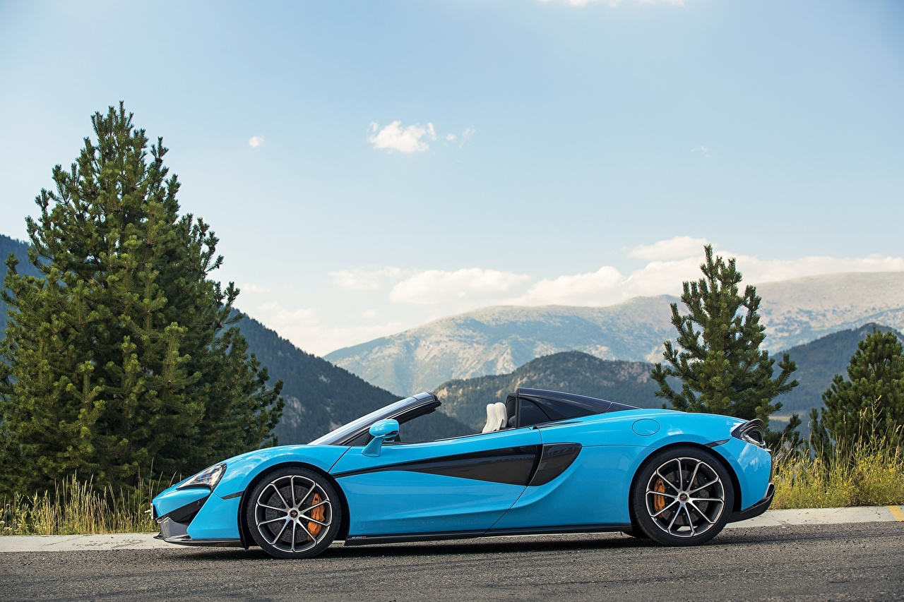 Картинка Макларен 2017 570S Spider Worldwide Родстер голубая Сбоку машины Металлик McLaren голубых голубые Голубой авто машина автомобиль Автомобили