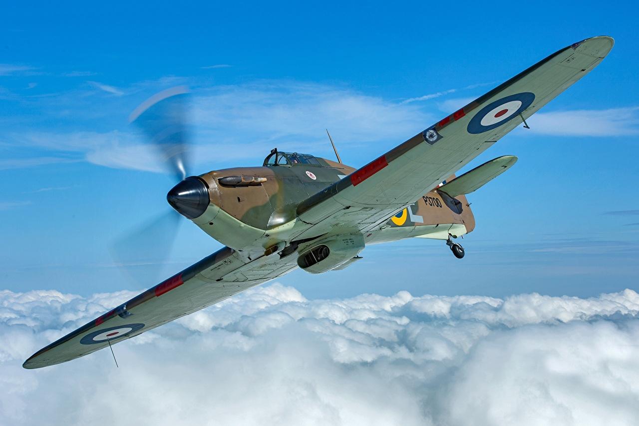 Фотография Истребители Самолеты Hawker Hurricane MK1 летят Облака Авиация Полет летит летящий облако облачно