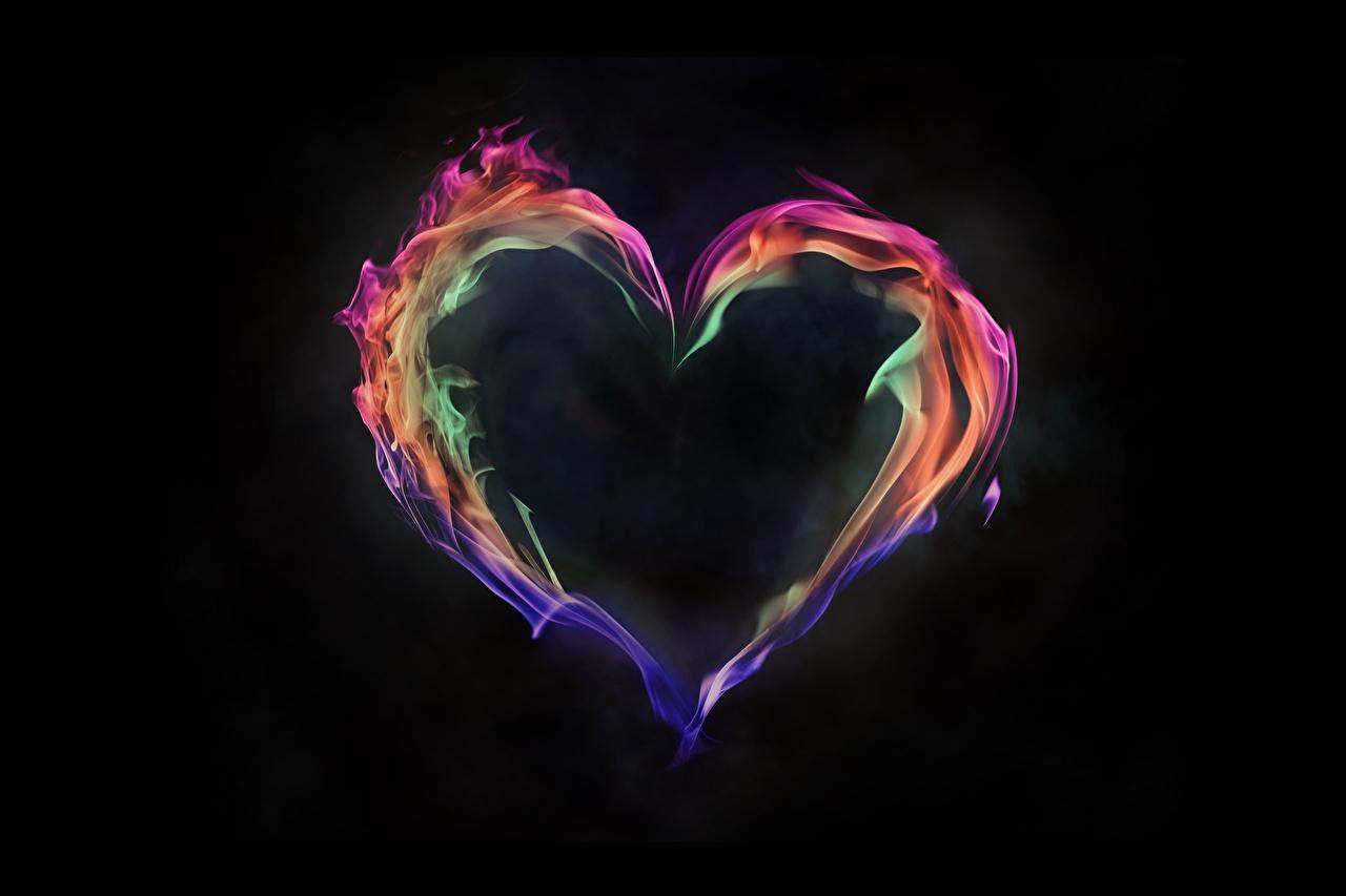 Фото Сердце Огонь Черный фон серце сердца сердечко пламя на черном фоне